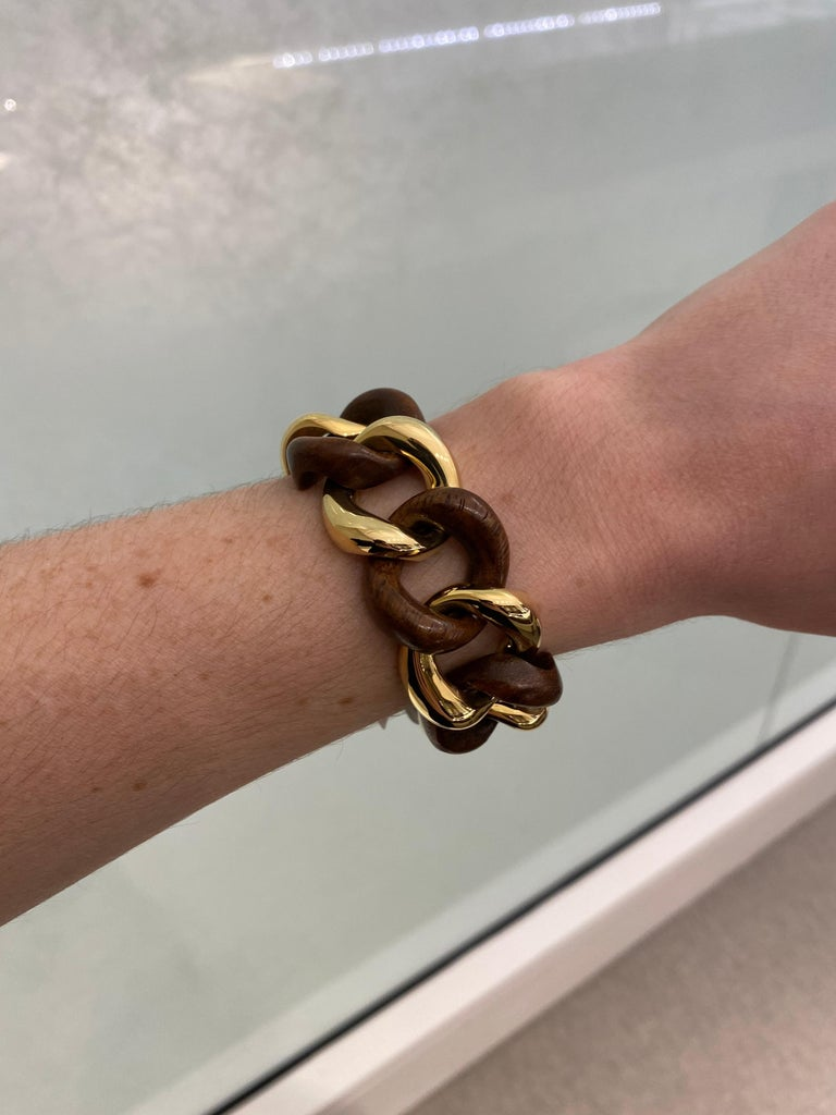 Seaman Schepps Wood Curb Link 18 Karat Yellow Gold Bracelet For Sale 5