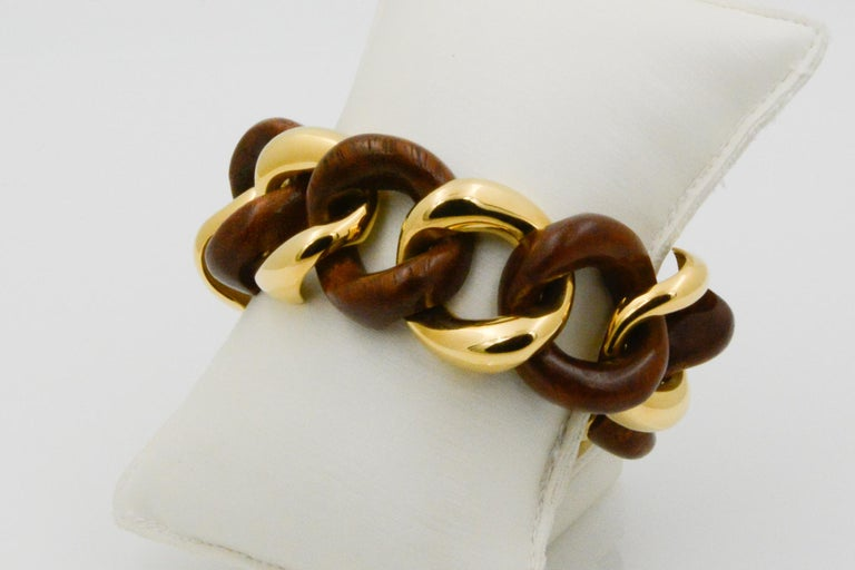 Seaman Schepps Wood Curb Link 18 Karat Yellow Gold Bracelet For Sale 1