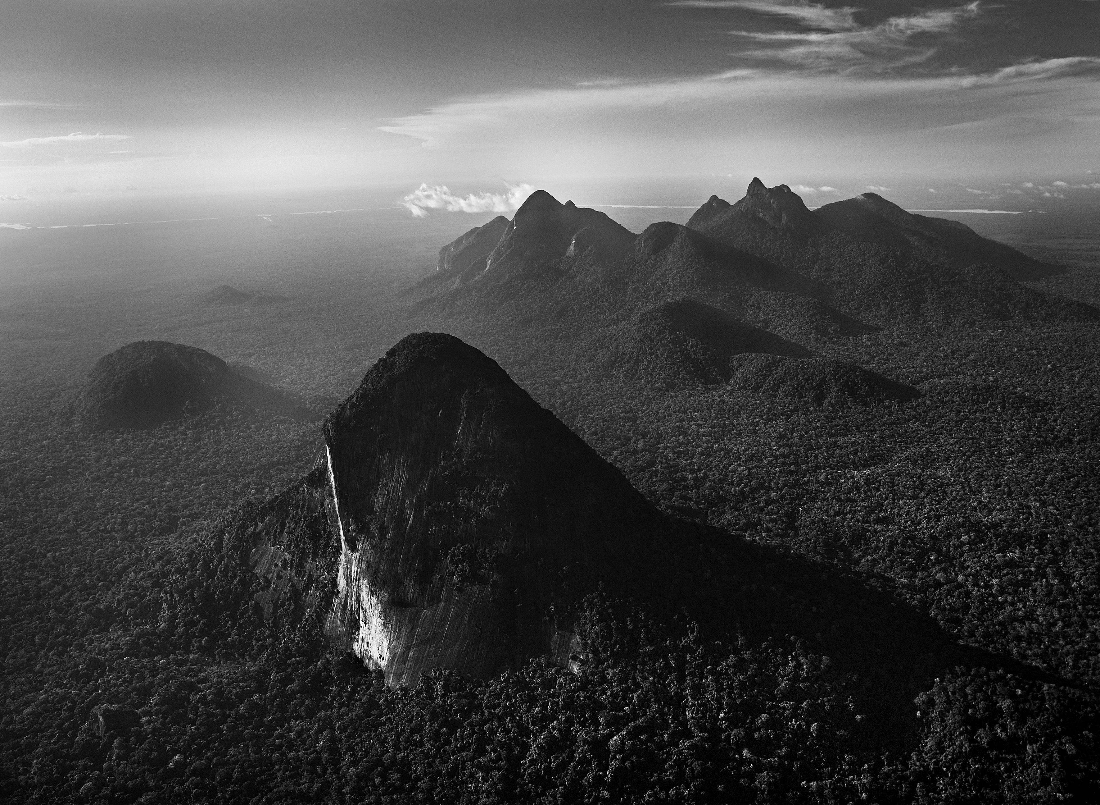 The Serra Curicuriari, with the Rio Negro in the background, Amazonas, Brazil