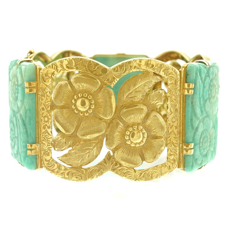 Secessionist Jade and Gold Bracelet For Sale 3
