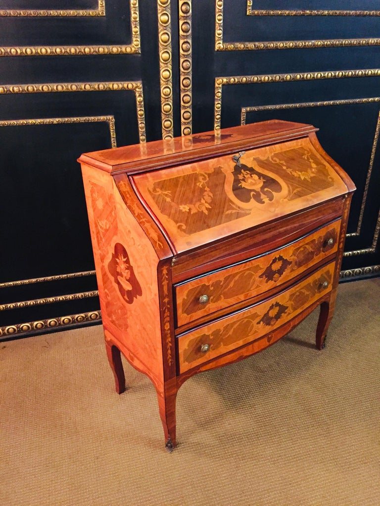 Secretaire in Baroque Stil with Inlays Made in Italy For Sale 4