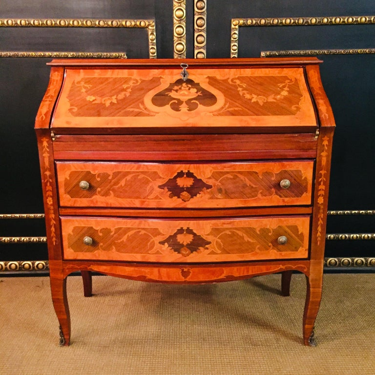 Secretaire in Baroque Stil with Inlays Made in Italy For Sale 10