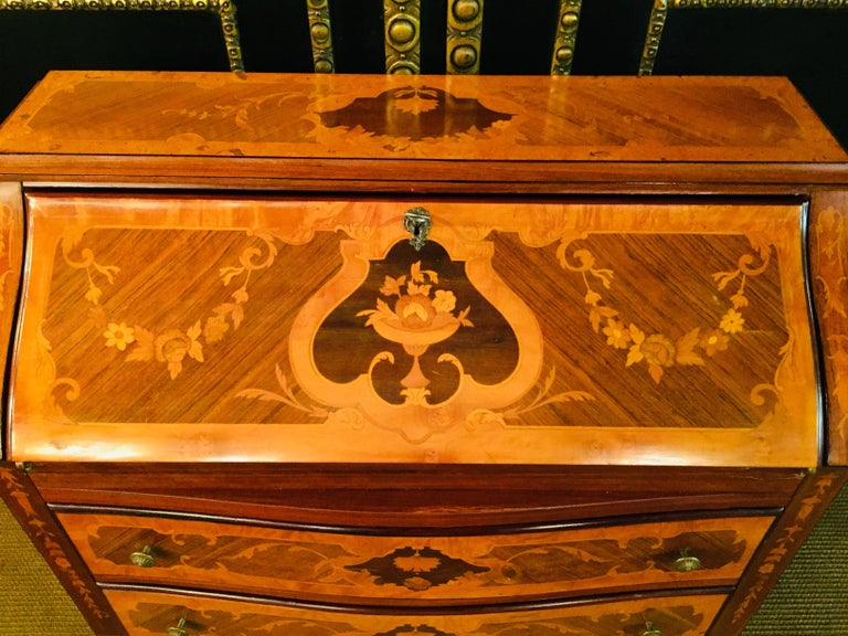 Italian Secretaire in Baroque Stil with Inlays Made in Italy For Sale