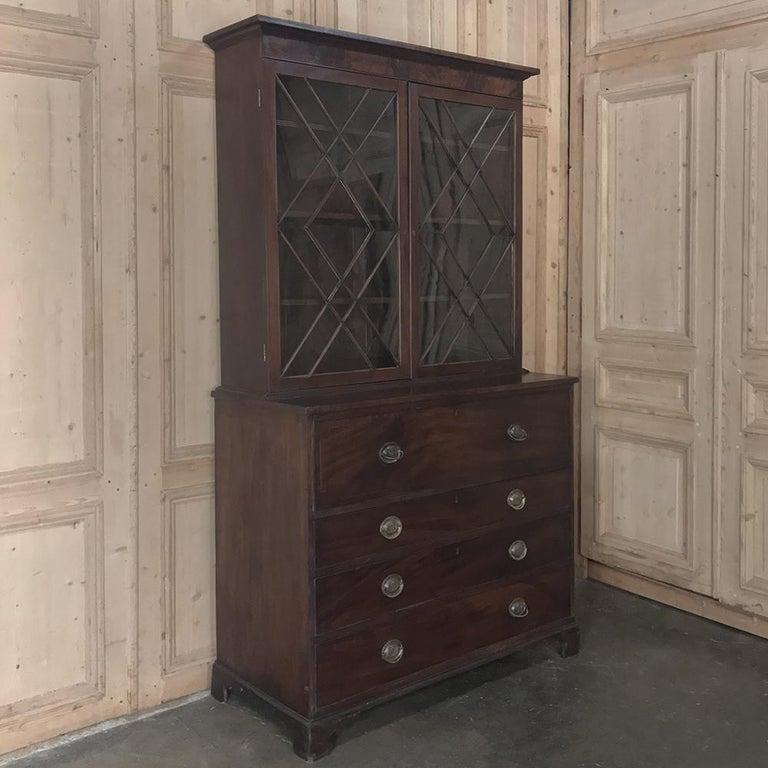 Secretary, Bookcase, 19th Century Antique English in Mahogany In Good Condition For Sale In Dallas, TX