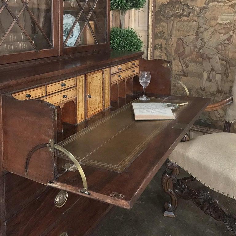 Secretary, Bookcase, 19th Century Antique English in Mahogany For Sale 1