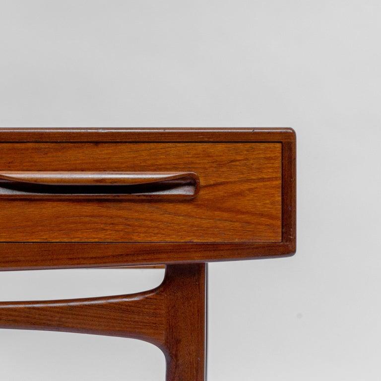 Secretary Desk by Louis Van Teeffelen for Wébé, 1960s In Good Condition For Sale In AMSTERDAM, NL