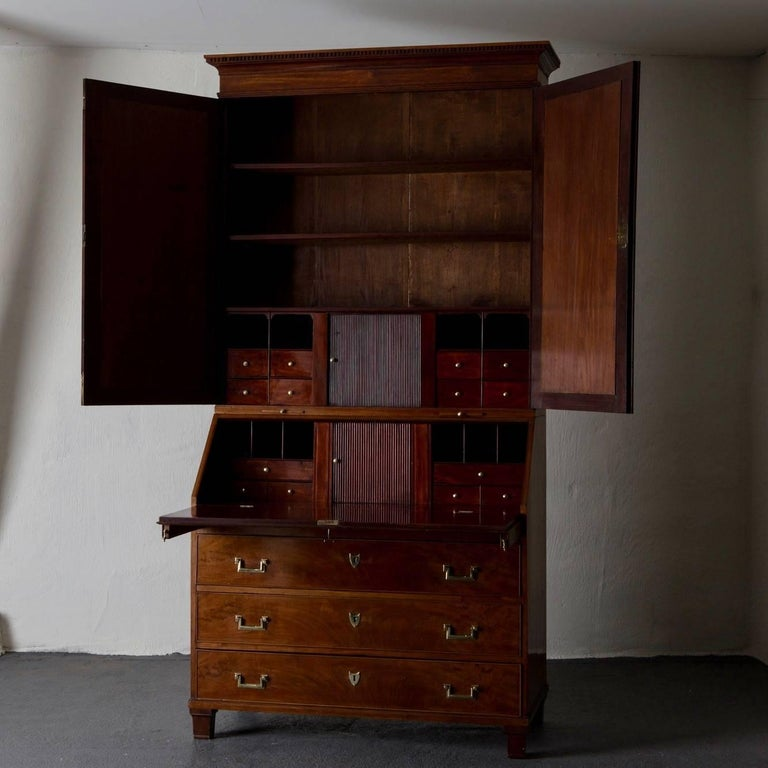 A secretary made during the 18th century in Sweden. The pieces is a so called master piece that made by Carl Frick to this craftsmanship diploma. Its made in a beautiful mahogany with stunning details such as a parquetted flooring in the mid
