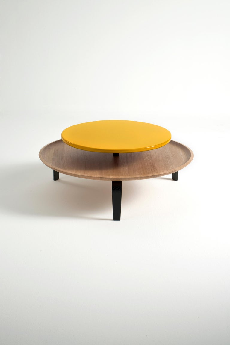 Secreto Round Coffee Table by Colé, Natural Oak and Black Lacquered Top For Sale 3