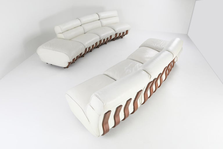 Sectional Sofa in White Leather and Walnut Frame by Frigerio For Sale 7