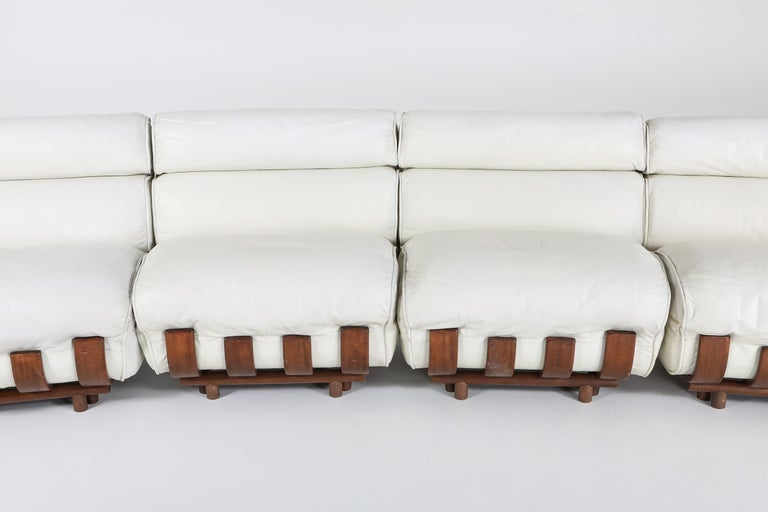 Sectional Sofa in White Leather and Walnut Frame by Frigerio For Sale 8