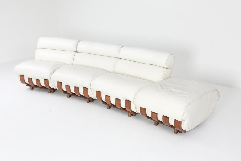 20th Century Sectional Sofa in White Leather and Walnut Frame by Frigerio For Sale