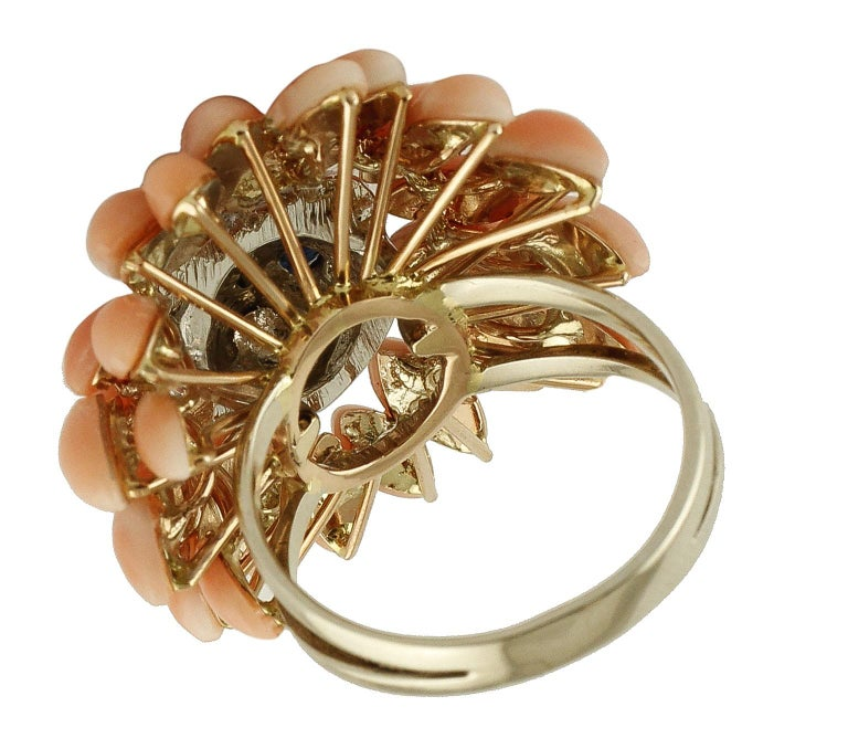 Corals, Diamonds, Blue Sapphires, 14 Karat White Gold Lion Ring In Excellent Condition For Sale In Marcianise, Caserta