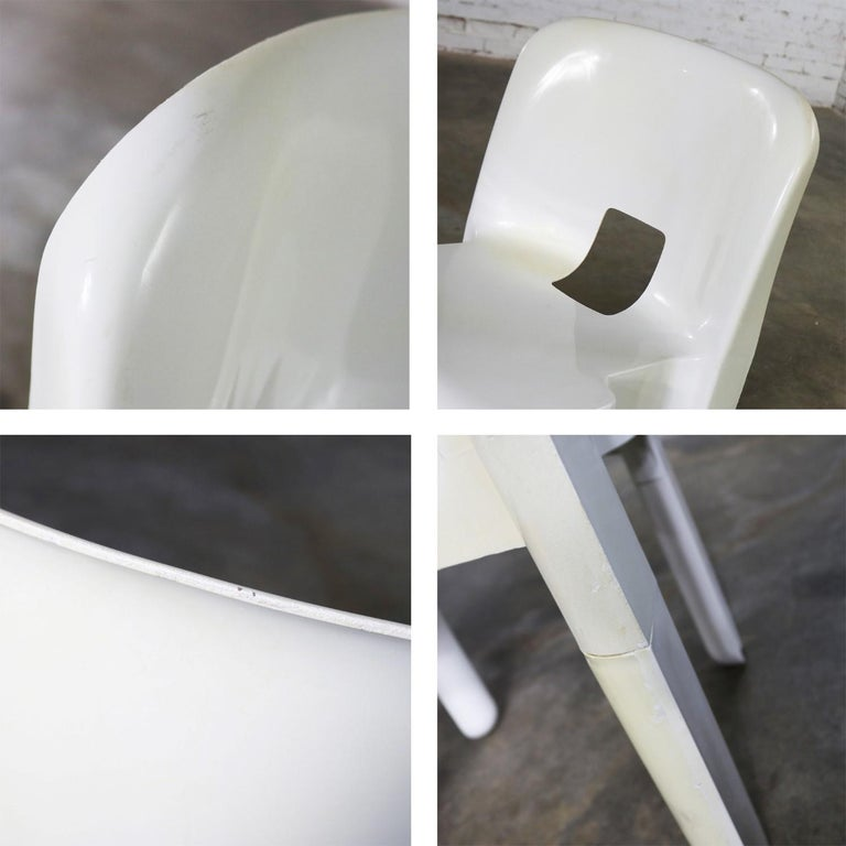 Sedia Universale 4867 Plastic Chair by Joe Columbo for Kartell in White For Sale 4