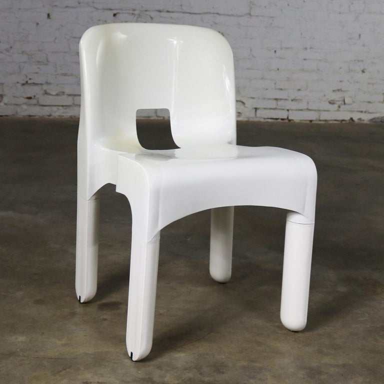 Sedia Universale 4867 Plastic Chair by Joe Columbo for Kartell in White In Good Condition For Sale In Topeka, KS