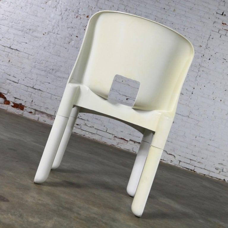 Sedia Universale 4867 Plastic Chair by Joe Columbo for Kartell in White For Sale 2