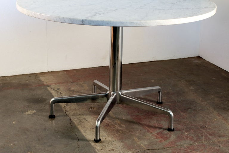American Segmented Base and Marble-Top Round Dining Table by Eames for Knoll For Sale