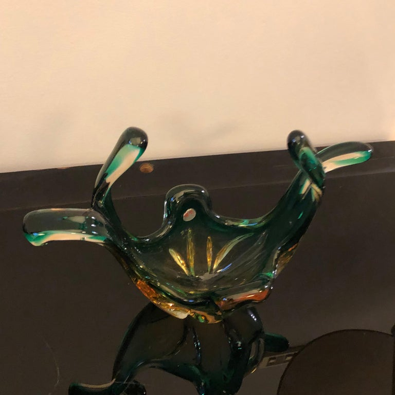 Seguso Attributed Italian Sommerso Green and Brown Murano Glass Centerpiece 1960 In Good Condition For Sale In Aci Castello, IT