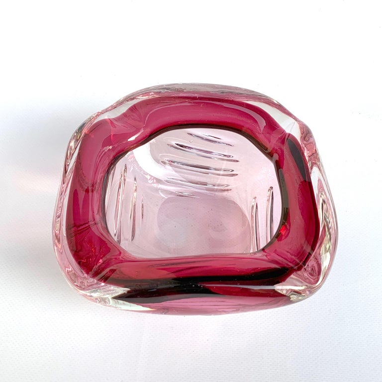 Seguso Handblown Pink, Purple and Blue Sommerso Murano Glass Bowl, Italy, 1960s In Good Condition For Sale In Roma, IT