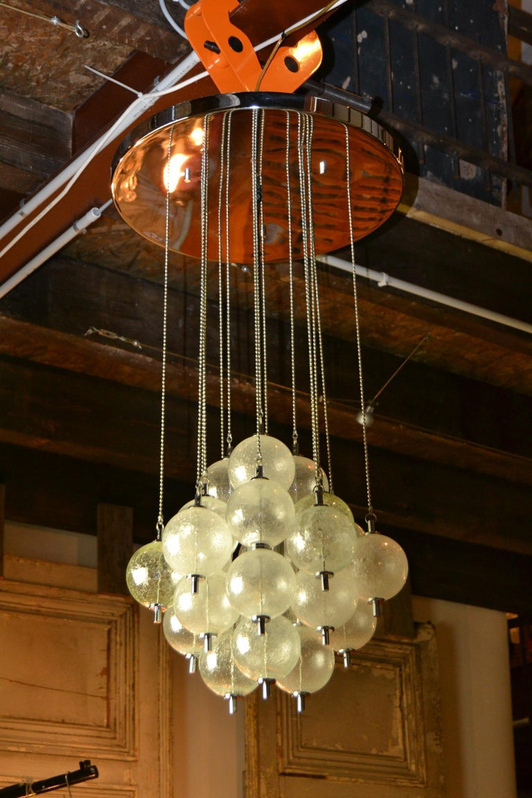 Mid-20th century Seguso Murano bubble chandelier - flush mount - ceiling light . Lots of chains with Murano glass bubbles - glass balls mounted on a chromed ceiling plate.  In the centre of the 24 glass shades you have one chromed light socket