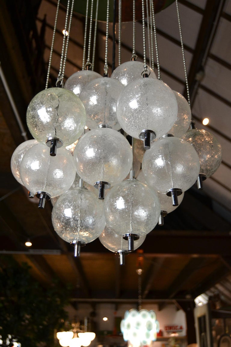 Mid-Century Modern Seguso Murano Bubble Chandelier with Chains, Italy, Mid-20th Century For Sale