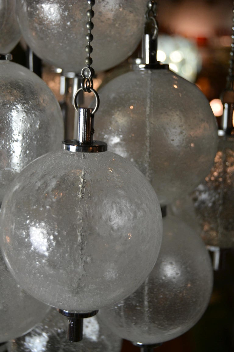 Seguso Murano Bubble Chandelier with Chains, Italy, Mid-20th Century For Sale 3