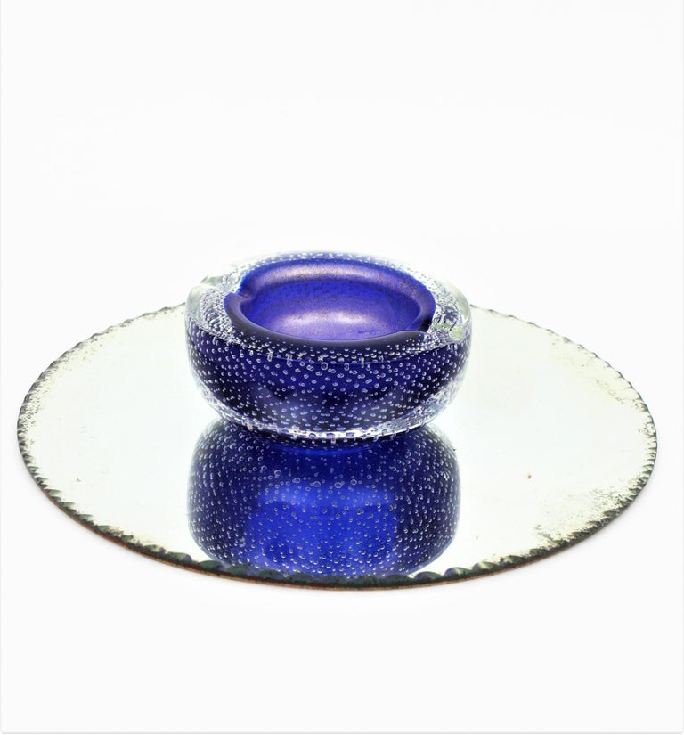 Seguso Murano Cobalt Blue Sommerso Bubbles Italian Art Glass Bowl with Gold Dust For Sale 1
