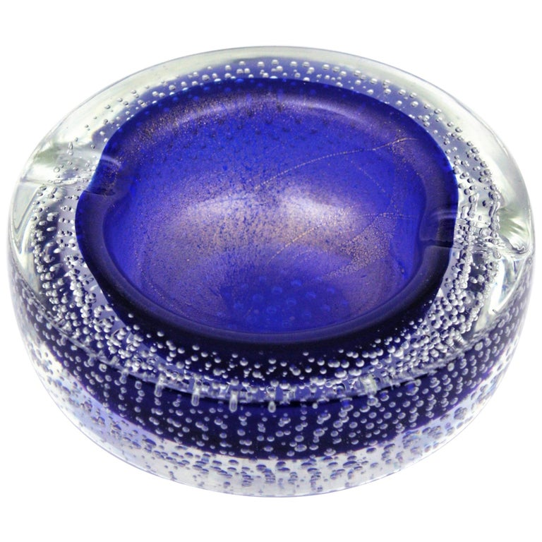 Seguso Murano Cobalt Blue Sommerso Bubbles Italian Art Glass Bowl with Gold Dust For Sale