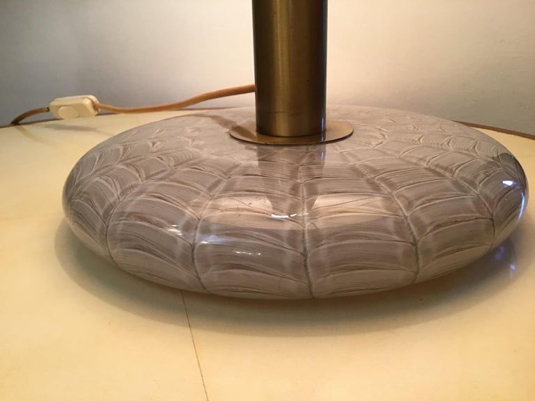 Italian Seguso Table Lamp 1960 Feathered Murano Glass Brass Frame and Fabric Lampshade For Sale