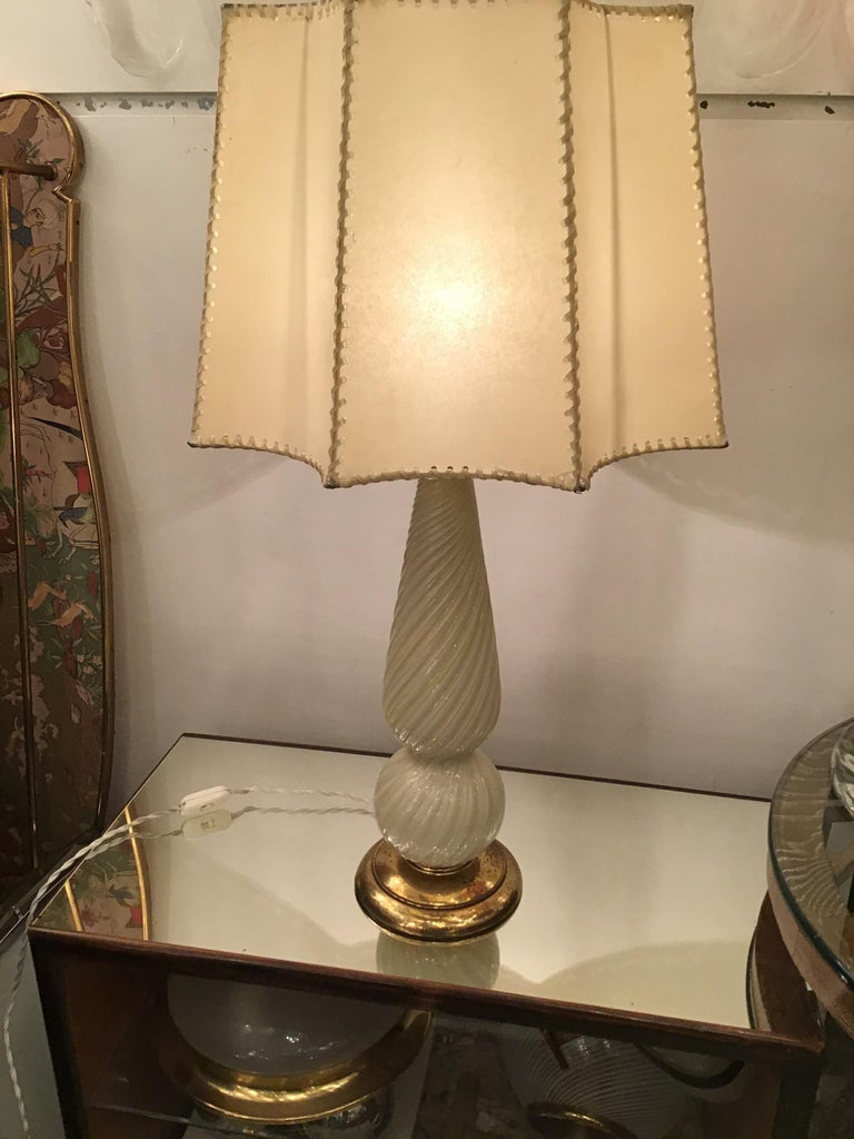 Seguso table lamp Murano glass brass lampshade, 1940, Italy.