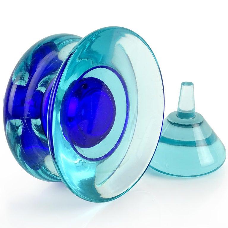 Seguso Vetri d'Arte Murano Sommerso Cobalt Blue Italian Art Glass Perfume Bottle In Good Condition In Kissimmee, FL