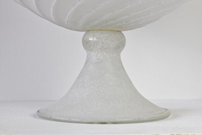 Seguso Vetri d'Arte White Scavo Vintage Murano Glass Bowl Centrepiece, 1980s For Sale 4