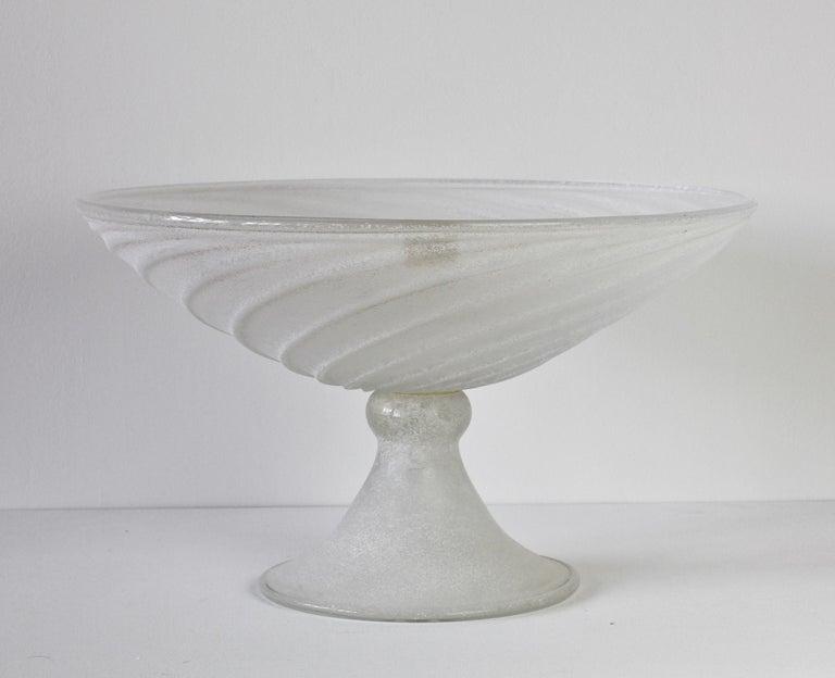 Italian Seguso Vetri d'Arte White Scavo Vintage Murano Glass Bowl Centrepiece, 1980s For Sale