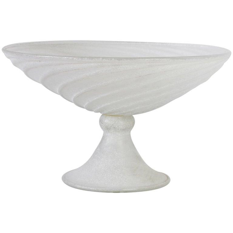Seguso Vetri d'Arte White Scavo Vintage Murano Glass Bowl Centrepiece, 1980s For Sale