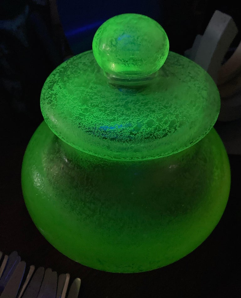 Great modern vintage green glow glass, in this leaded box/jar. Attributed to Flavio Poli.