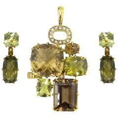 Seidengang 18 Karat Yellow Gold Pendant and Earring Set