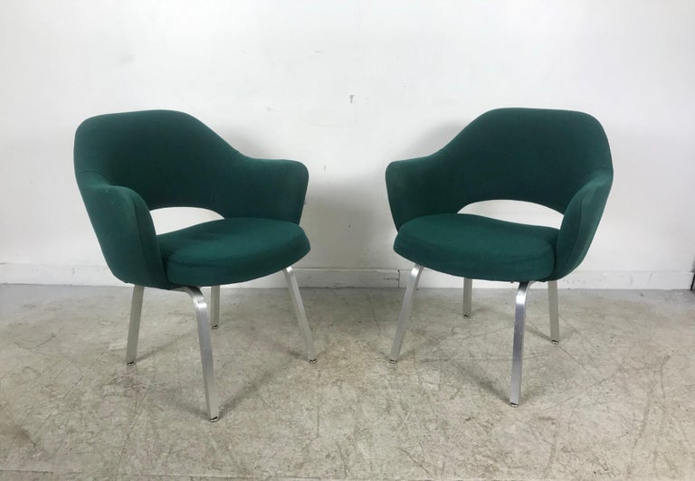 Mid-Century Modern Seldom Seen Pair of Early Saarinen/Knoll Executive Armchairs, Aluminum Bases For Sale