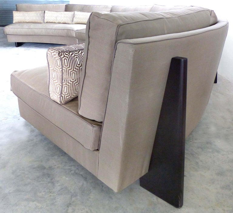 Umberto Asnago Mobilidea Semi-circular Sectional Sofa, Italy In Good Condition For Sale In Miami, FL