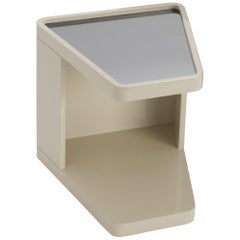 Sêni Triangle Side Table Glossy Lacquered with Grey Mirror on Top