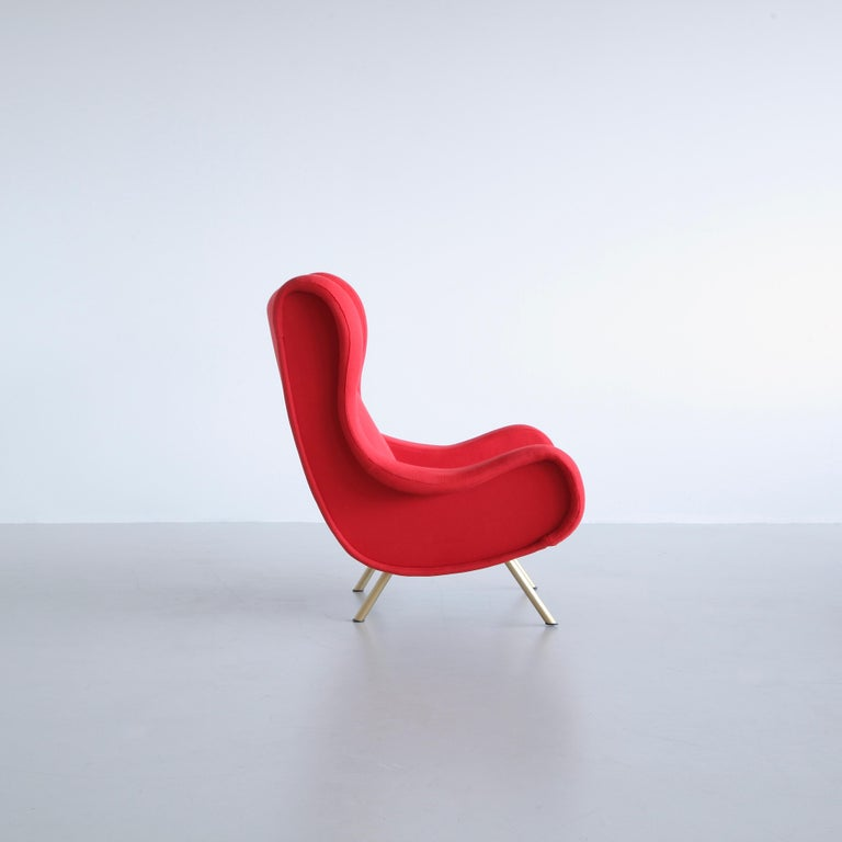 Senior chair, designed by Marco Zanuso, Italy, Arflex, 1951.  An early original lounge chair 'Senior' with red wool upholstery. Metal frame with brass legs fittings and wooden construction.  Literature: Repertorio del Design Italiano 1950-2000,
