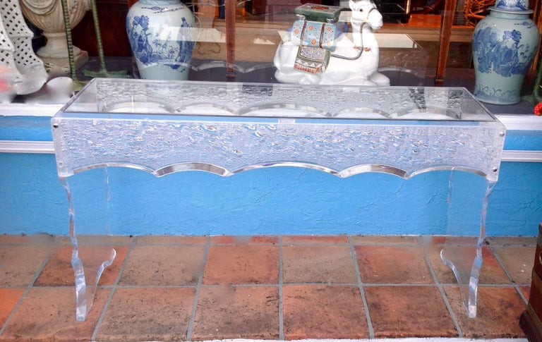 Sensational Lucite Sofa Table In Good Condition For Sale In West Palm Beach, FL