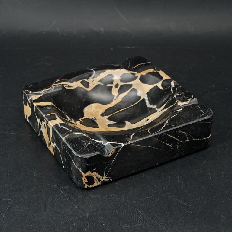 Mid-Century Modern 1950s Palmaria Island Black Gold Marble Cigar Ashtray in style of Sergio Asti  For Sale