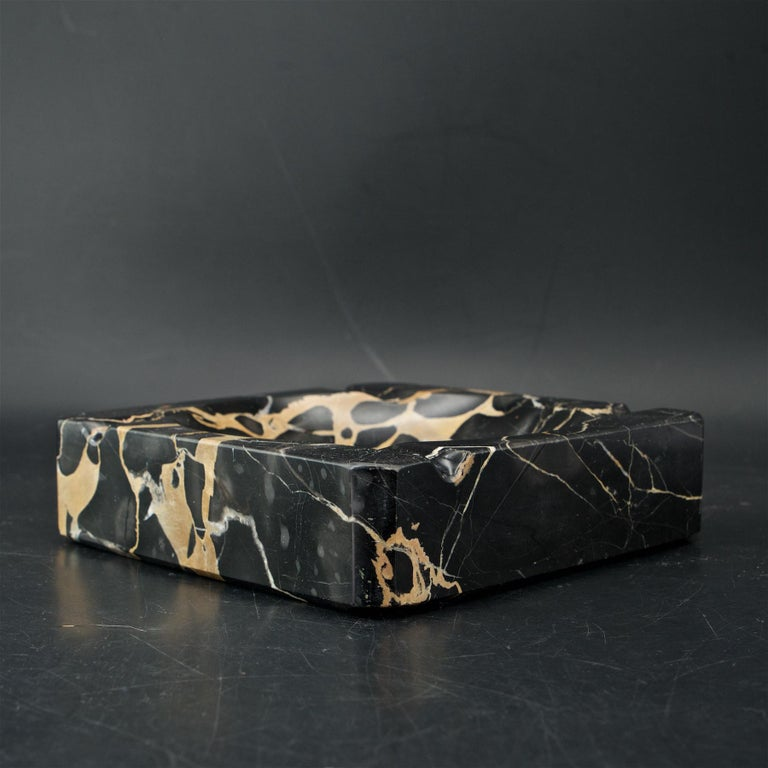 Polished 1950s Palmaria Island Black Gold Marble Cigar Ashtray in style of Sergio Asti  For Sale