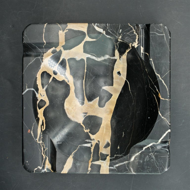 1950s Palmaria Island Black Gold Marble Cigar Ashtray in style of Sergio Asti  In Good Condition For Sale In Washington, DC
