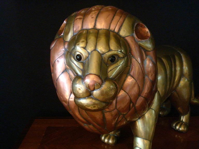 Mid-Century Modern Sergio Bustamante Copper and Brass Lion Sculpture Mexico, 1970s For Sale