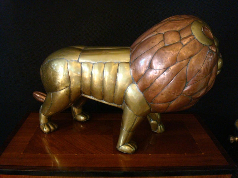 Sergio Bustamante Copper and Brass Lion Sculpture Mexico, 1970s In Good Condition For Sale In Buenos Aires, Olivos