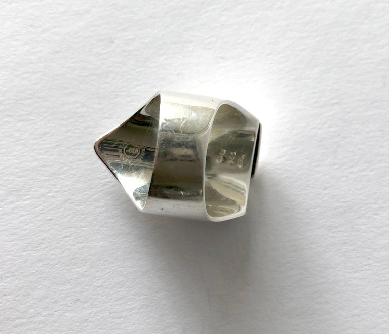 Sergio Bustamante Modernist Sterling Silver Masked Face Ring In Good Condition For Sale In Los Angeles, CA