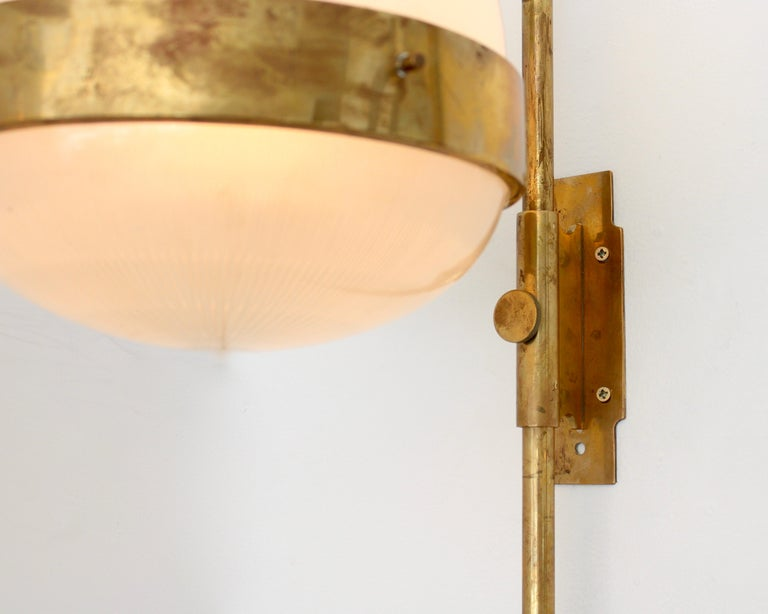 Sergio Mazza Italian Glass and Brass Vintage Delta Sconce by Artemide For Sale 4