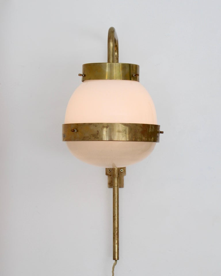 Sergio Mazza Italian Glass and Brass Vintage Delta Sconce by Artemide For Sale 1