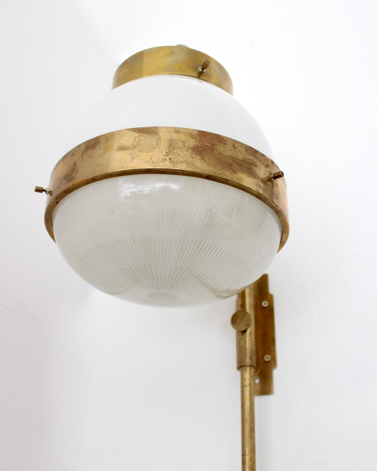 Sergio Mazza Italian Glass and Brass Vintage Delta Sconce by Artemide For Sale 2