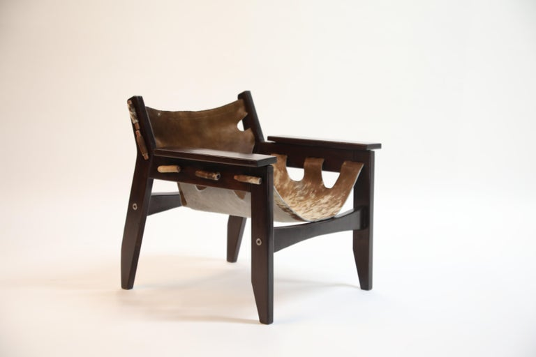 Mid-Century Modern Sergio Rodrigues 'Kilin' Lounge Chair in Rosewood and Cowhide, OCA, Brazil 1970s For Sale
